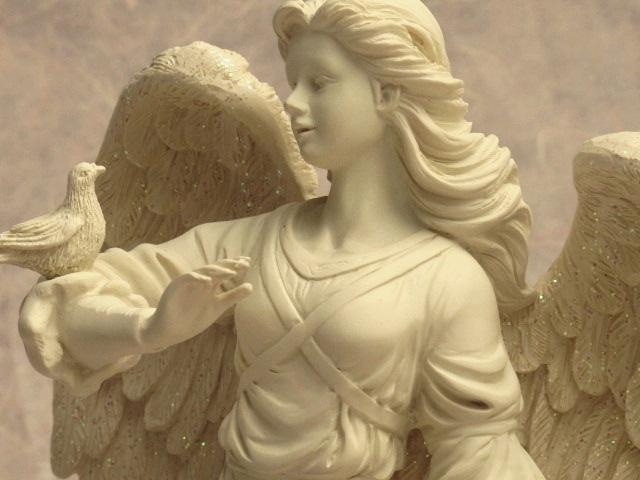 statue d 39 ange avec colombe ange gardien naissance bapt me d coration fun raire ebay. Black Bedroom Furniture Sets. Home Design Ideas